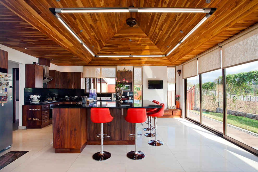 18 Captivating Tropical Kitchen Designs You'll Go Crazy For