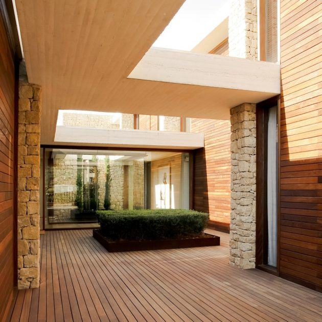House in Monasterios by Ramon Esteve in Valencia, Spain