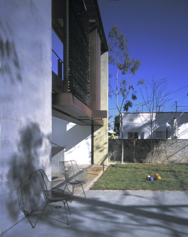 Solar Umbrella House by Brooks + Scarpa Architects in Los Angeles, California