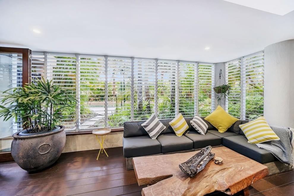 15 Placid Tropical Sunroom Ideas Perfect For Any Season