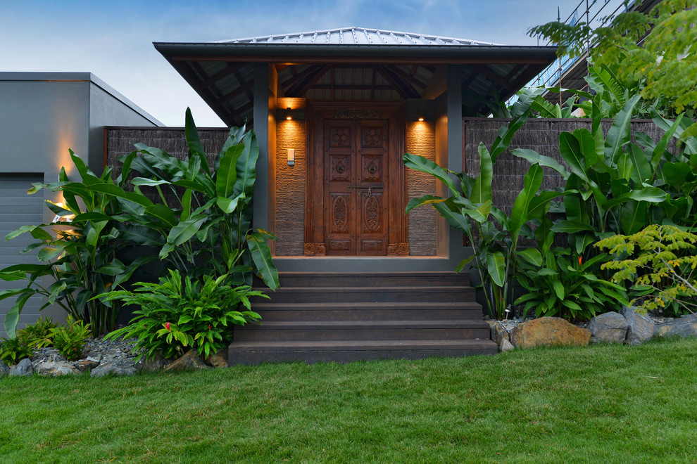 15 Splendid Tropical Entrance Designs That Will Take Your Breath Away