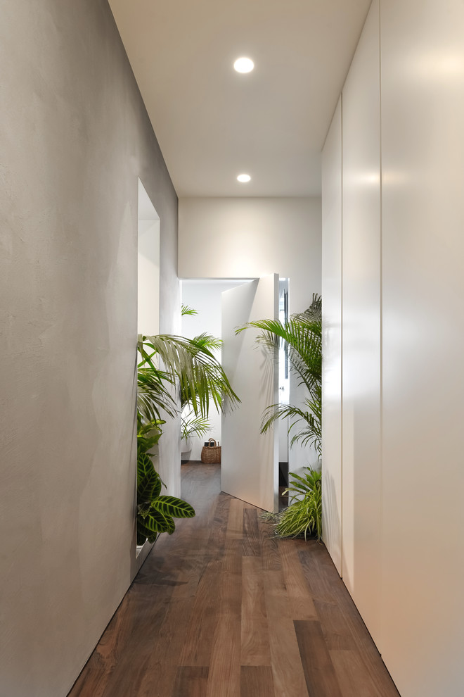 17 Remarkable Tropical Hallway Designs Your Interior Lacks