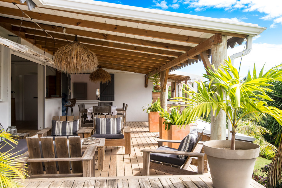 18 Fantastic Tropical Deck Designs You'll Want To Own