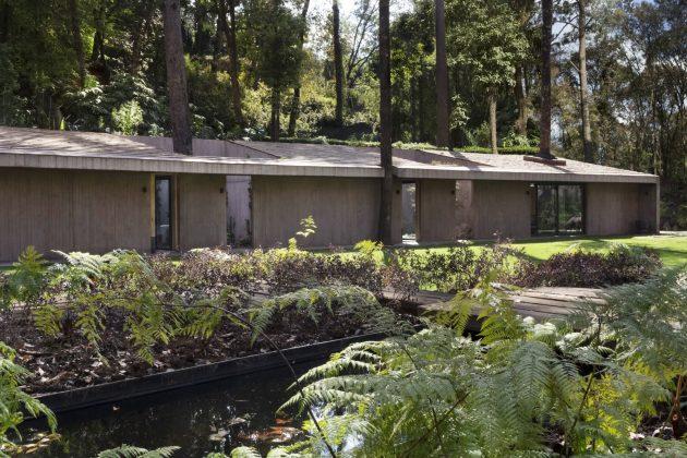 L House by Dellekamp Arquitectos in Valle de Bravo, Mexico