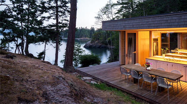 Lone Madrone Retreat by Heliotrope Architects on Orcas Island in Washington, USA