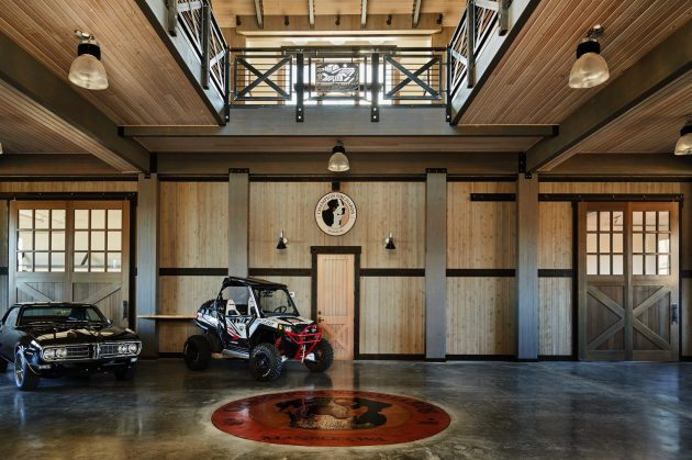 Manson Barn by SkB Architects in Washington, USA