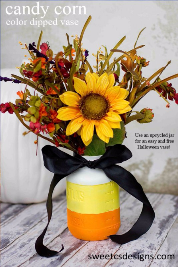 15 Cheerful DIY Fall Mason Jar Designs To Add To Your Seasonal Decor