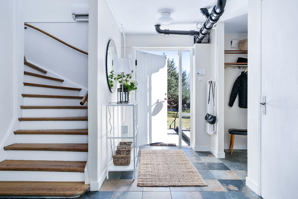 15 Wonderful Scandinavian Entry Hall Designs You Should Explore