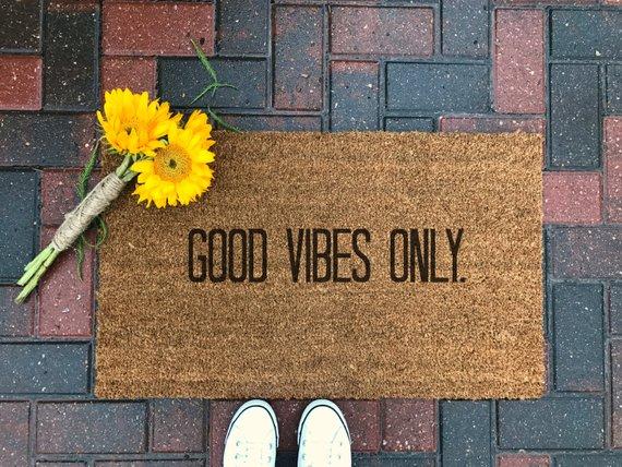 16 Adorable Handmade Fall Doormat Ideas For The Rainy Season