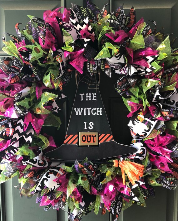 17 Spooky Handmade Halloween Wreath Designs The Kids Are Going To Adore