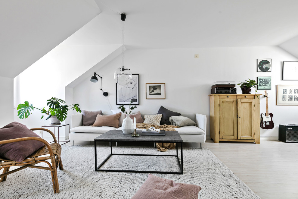 18 Elegantly Simple Scandinavian Living Room Designs