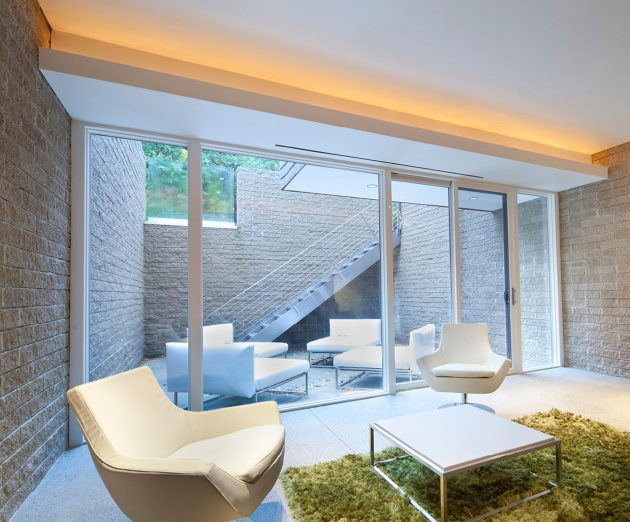 Brahler Residence by Robert Maschke Architects in Bay Village, Ohio