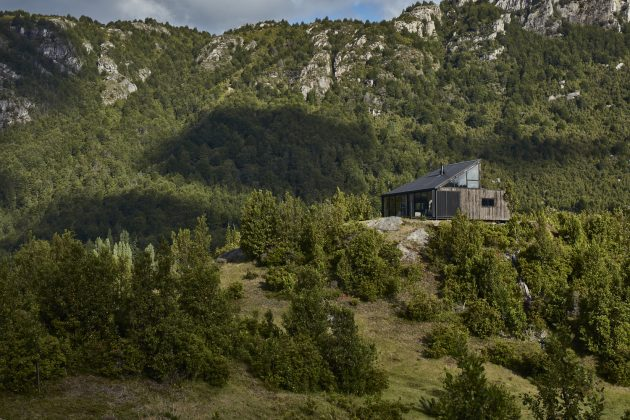 GZ1 House by Paul Steel Bouza Arquitecto in Futaleufu, Chile