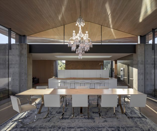 Ghost Wash House by Architecture Infrastructure Research in Paradise Valley, Arizona