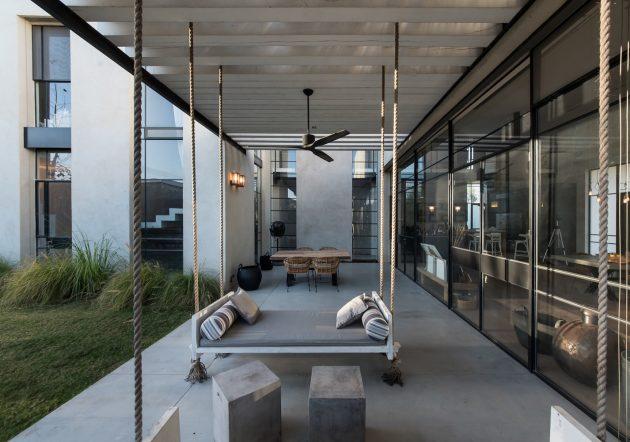 Savion Residence by Neuman Hayner Architects in Tel Aviv, Israel