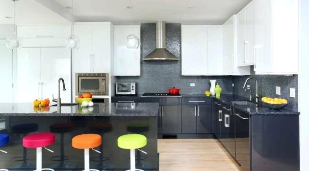 15 Fascinating Two-Toned Kitchen Ideas That Are Worth Seeing
