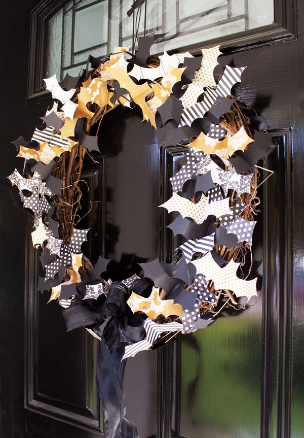 16 Awesome Halloween Wreaths That You Can Do For Less Than Hour