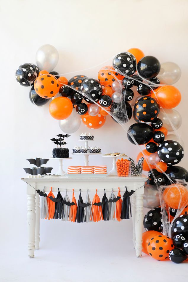 15 Festive DIY Halloween Party Decorations You Must Craft