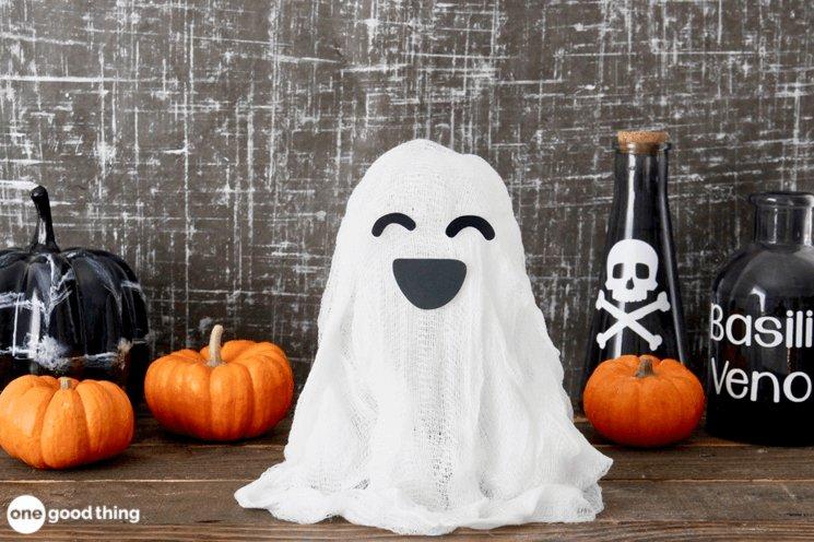 15 Superb Dollar Store DIY Halloween Crafts You Can Easily Make