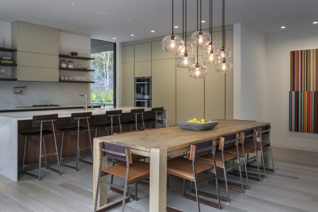 Old Sag Harbor Road by Blaze Makoid Architecture in Southampton, New York
