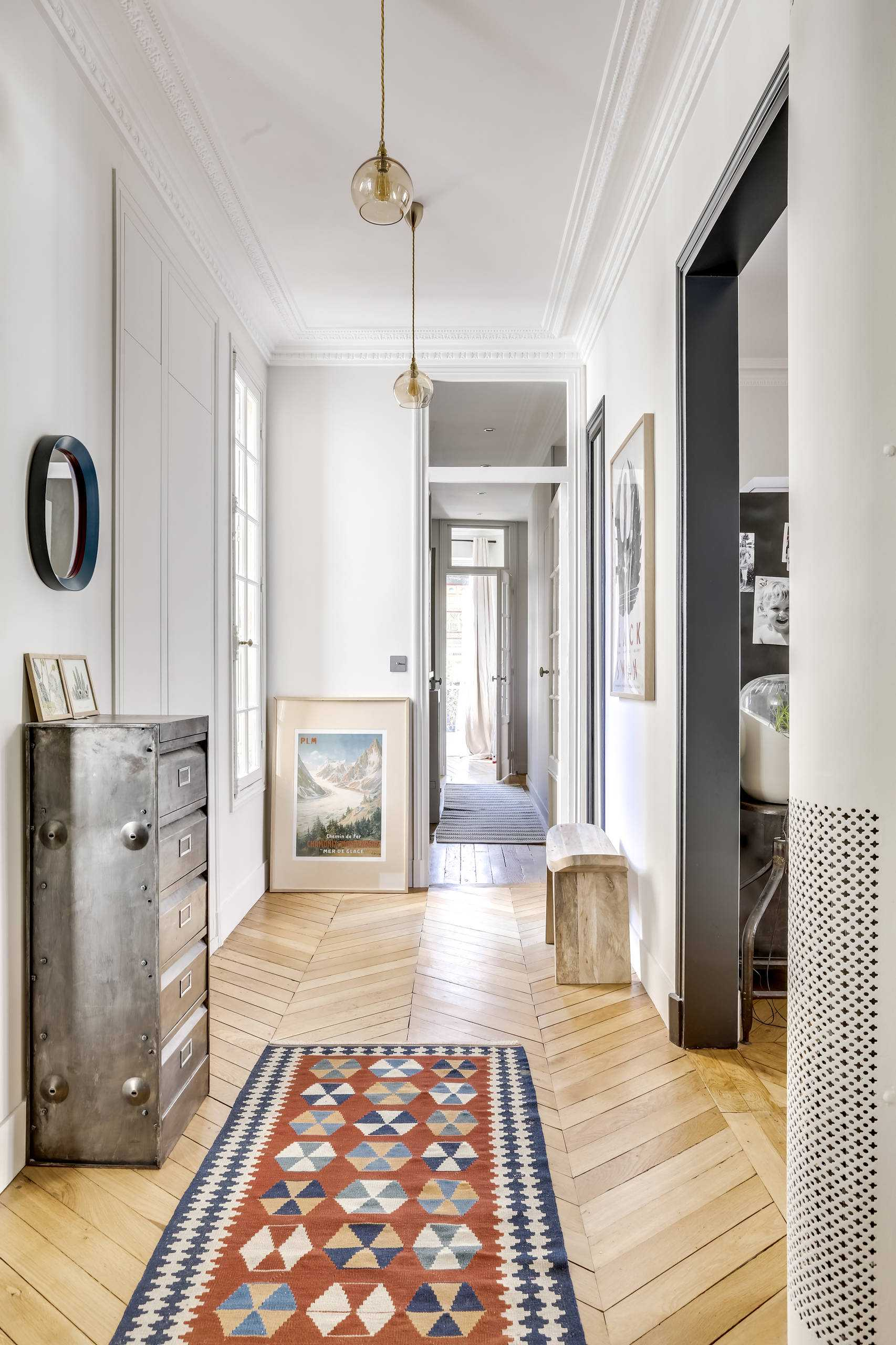 15 Chic Eclectic Hallway Designs That Know How To Keep
