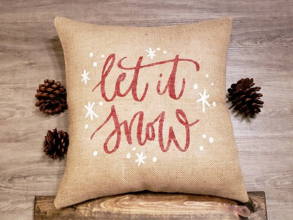 15 Cute Handmade Winter Pillow Designs Everyone Will Adore