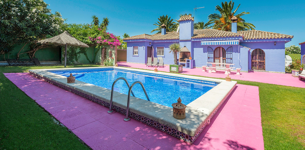 16 Fantastic Eclectic Swimming Pool Designs You'll Fall In Love With