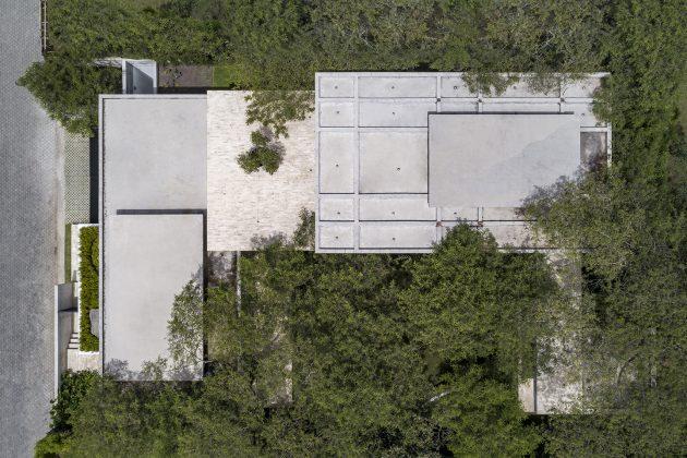 Casa Tacuri by Gabriel Rivera Arquitectos in Quito, Ecuador