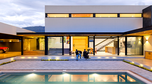 Collector's House by CU+AR ESTUDIO in Paute, Ecuador
