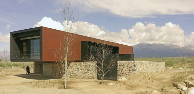 Evans House by A4ESTUDIO in Tunuyan, Argentina