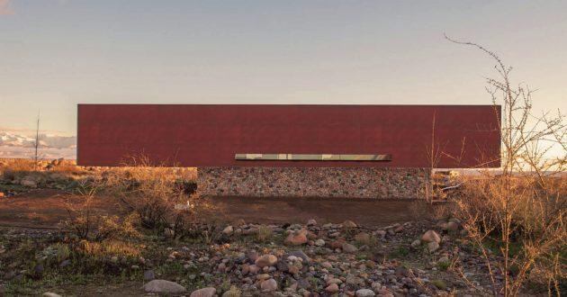 Evans House by A4ESTUDIO in Tunuyan, Argentina
