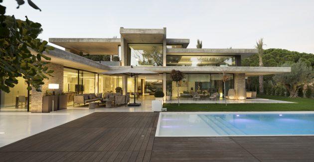 Miravent House by Perretta Arquitectura in Godella, Spain
