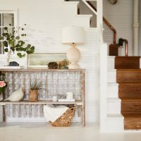 15 Awesome Shabby-Chic Entry Designs That Are Out Of The Box