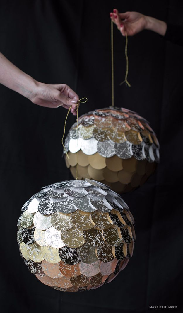 15 Spectacular DIY New Year's Eve Decor To Make Your Party ...