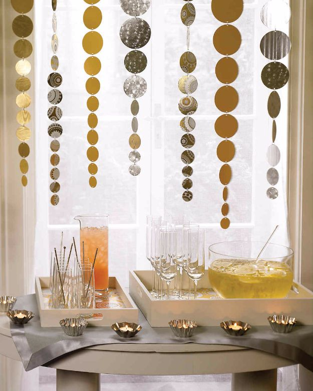 15 Spectacular DIY New Years Eve Decor To Make Your Party Glitter