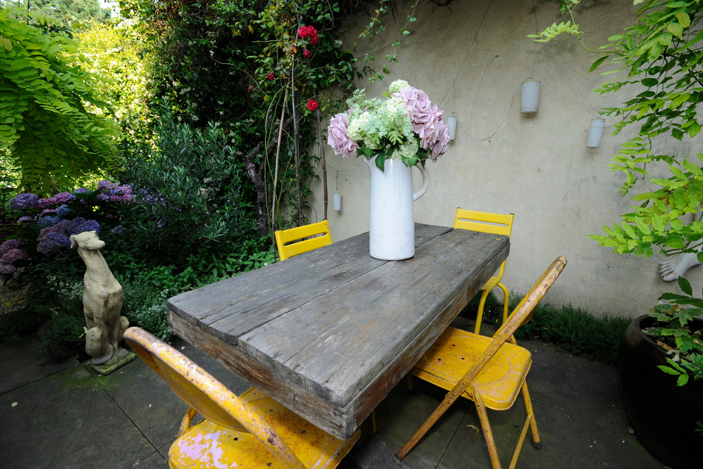 enchanting shabby chic kitchen design | 16 Enchanting Shabby-Chic Patio Designs For Your Garden