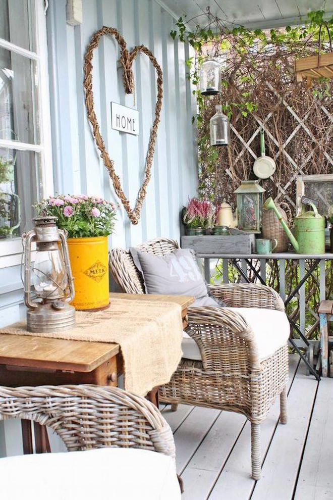 18 Magnificent Shabby Chic Porch Designs That Are Too Cute To Pass Up