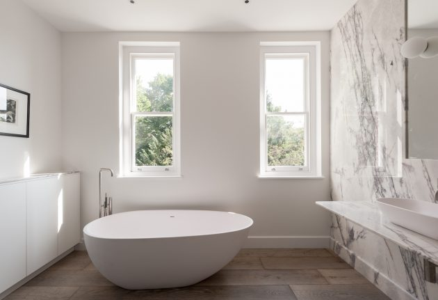 White & Wood- The Best Combination For Perfect Bathroom