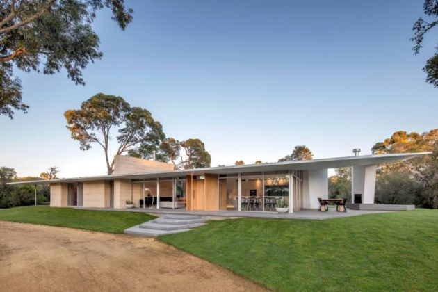 Bartram Residence by Mountford Architects in Perth, Australia