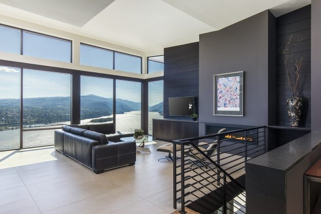 Cliff House by Giulietti Schouten Architects in Washington, USA