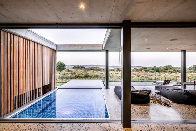 Forest House by Bloc Architects in Durban, South Africa
