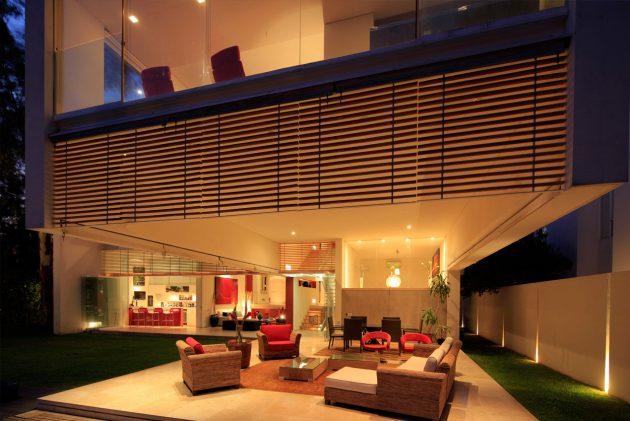 Godoy House by Hernandez Silva Arquitectos in Zapopan, Mexico