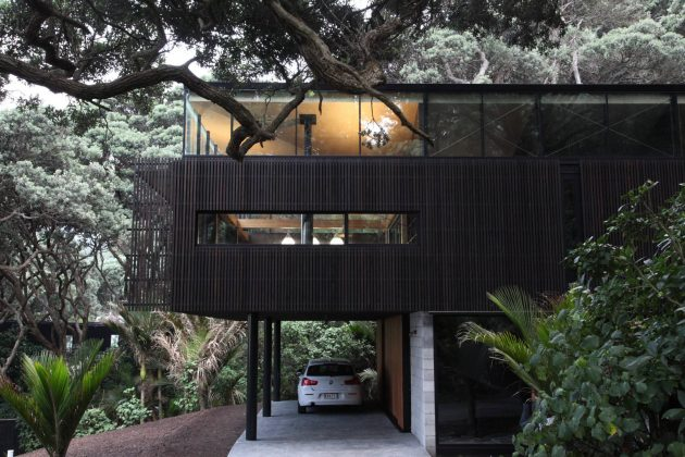 Kawakawa House by Herbst Architects in Piha, New Zealand