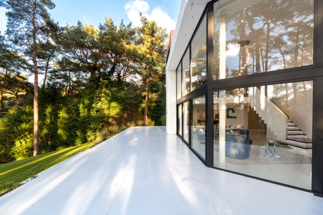 La Serena by David James Architects & Partners in Canford Cliffs, Dorset