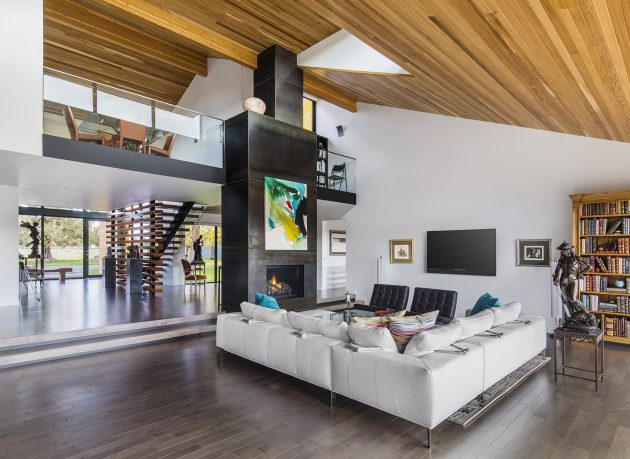 Rangers Ridge Residence by Giulietti Schouten Architects in Redmond, Oregon