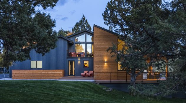 Rangers Ridge Residence by Giulietti Schouten Architects in Redmond, Oregon
