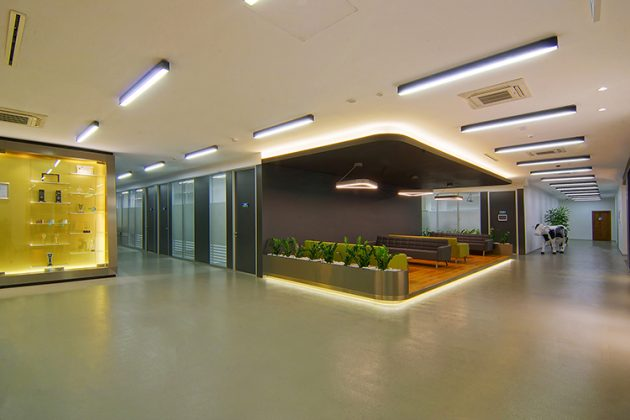 Spatial Reflection of the Corporate Identity: Sutas Headquarters Office