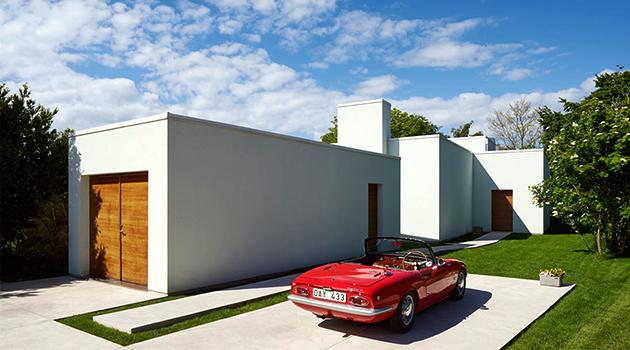 Villa J2 by Jonas Lindvall in Falsterbo, Sweden