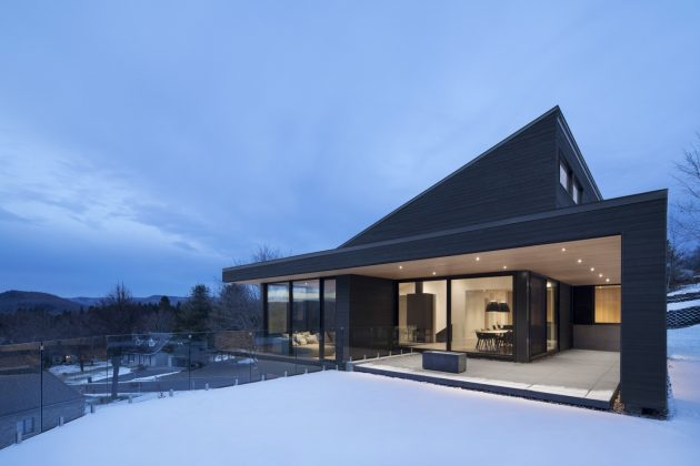 Villa Vingt by Bourgeois / Lechasseur Architects in Lac-Beauport, Canada