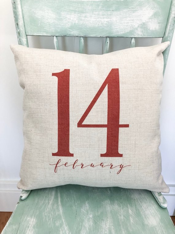 15 Charming Handmade Valentines Day Pillow Designs That Make Great Gifts